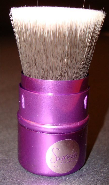Sigma Hollywood Glamour Flat Top Retractable Kabuki Brush