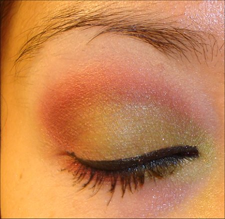 Green and Red Holiday Eye Look