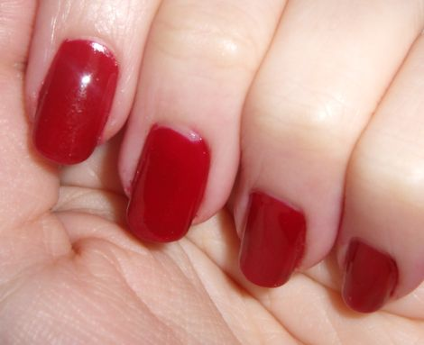 e.l.f. Essentials Medium Red Nail Polish