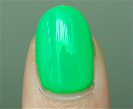 China Glaze Kiwi Cool-Ada Swatches & Review