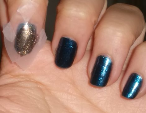 Image of Blue & Gold Crooked Diamond Nails