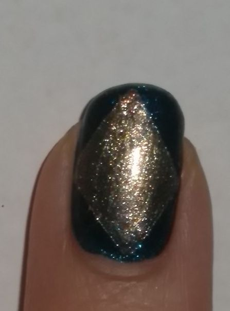 Image of Blue & Gold Diamond Nail Art