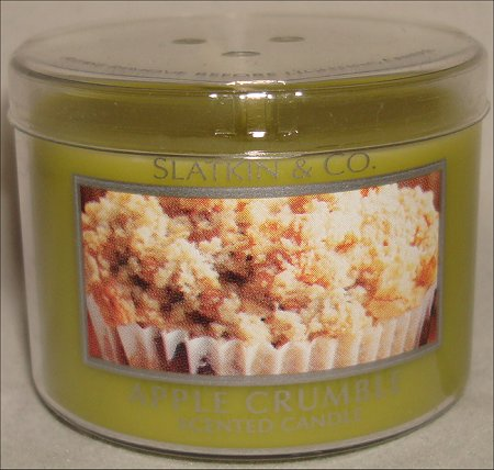 Slatkin & Co. Apple Crumble Candle Review & Pictures