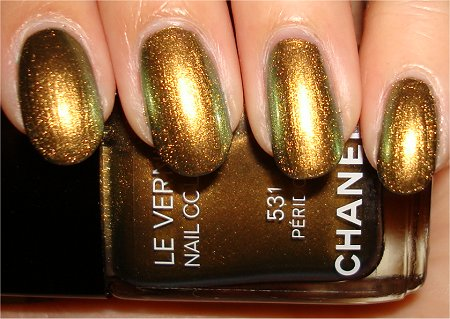 Flash Peridot Chanel Polish Swatches & Review