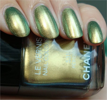Natural Light Chanel Peridot Review & Swatches