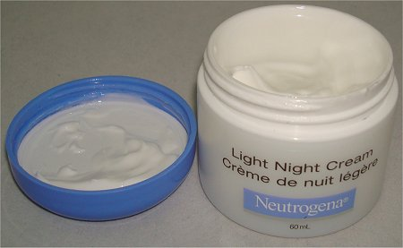 Neutrogena Light Night Cream Pictures & Review