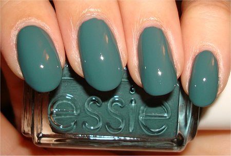 Flash Essie Winter Collection 2011 Swatches & Review School of Hard Rocks