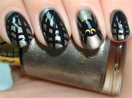 Flash Hallowe'en Nail Art Spider Nails & Tutorial