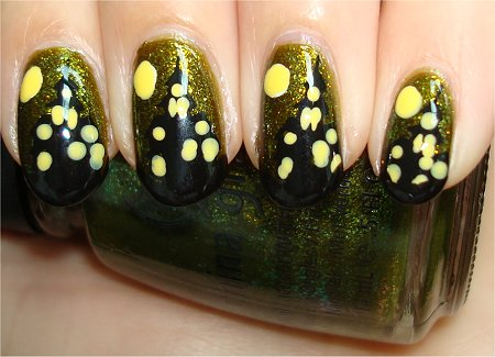 Flash Haunted Halloween Mansion Nail Art Tutorial & Pics