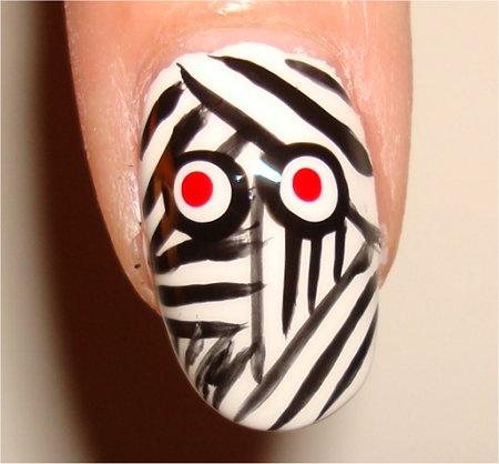 Flash Nail-Art Tutorial Mummy Nails Halloween Nail Art