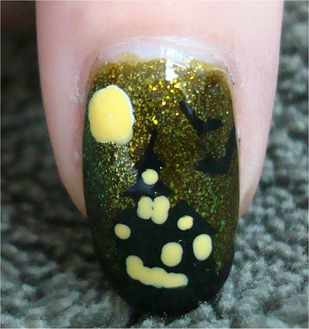 Natural Light Halloween Haunted House Nail-Art Tutorial