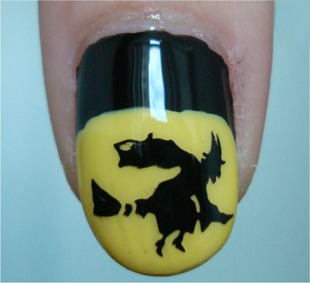 Natural Light Halloween Nail-Art Tutorial Witch Nails