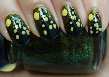 Natural Light Haunted House Nail Art Tutorial & Picture