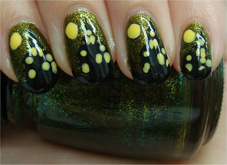 Natural Light Haunted Mansion Halloween Nail Art Tutorial & Pictures