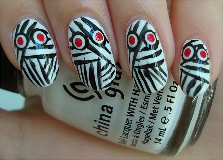 Natural Light How-to Halloween Nail Art Tutorial Mummy Nails