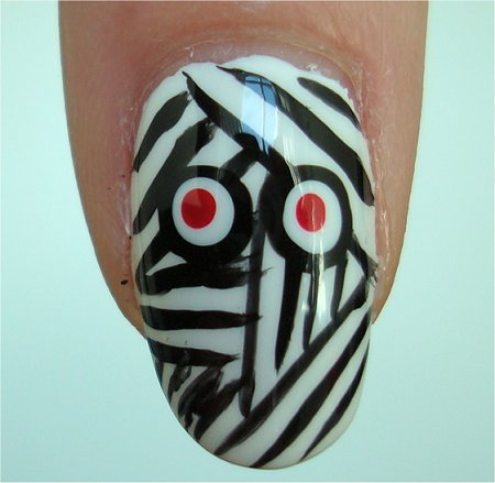 Natural Light Mummy Nails Halloween Nail Art
