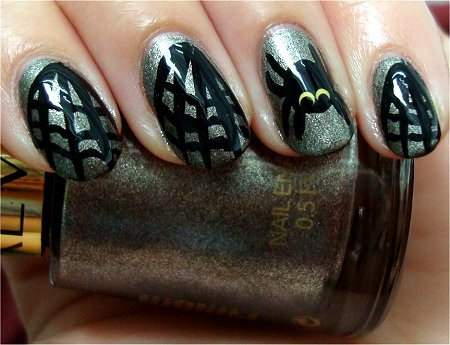 Natural Light Spiderweb Nail Art & Photos