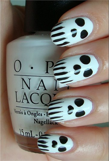 Skull Nails Nail Art Tutorial & Swatches