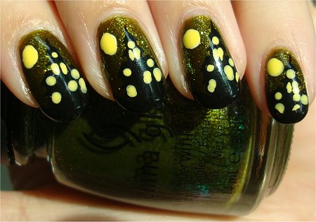 Sunlight Halloween Nail Art Haunted House Nails Tutorial & Swatch