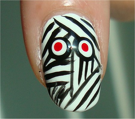 Sunlight Halloween Nails Mummy Nail Art & Tutorial