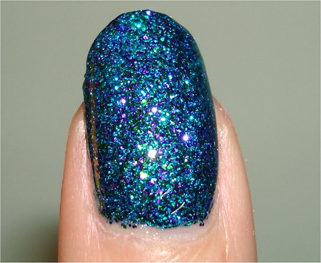 Flash Nicole by OPI Kendall on the Katwalk Kardashian Kolors Swatch & Review