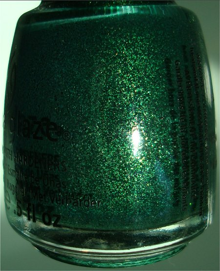 Let It Snow Collection China Glaze Glitter Garland Bottle Picture & Review