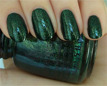 Natural Light Glittering Garland China Glaze Review & Swatches Holiday Collection Let It Snow 2011