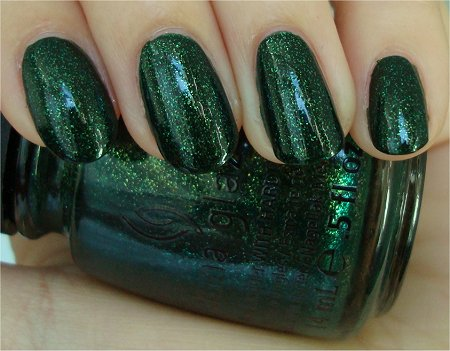 Natural Light Let It Snow 2011 Holiday Collection China Glaze Glittering Garland Swatch