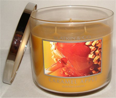 Slatkin & Co. Caramel Apple Scented Candle Review & Pictures
