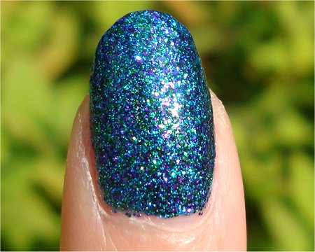 Sunlight Nicole by OPI Kardashian Kolors Collection Swatches & Review Kendall on the Katwalk Swatch & Review