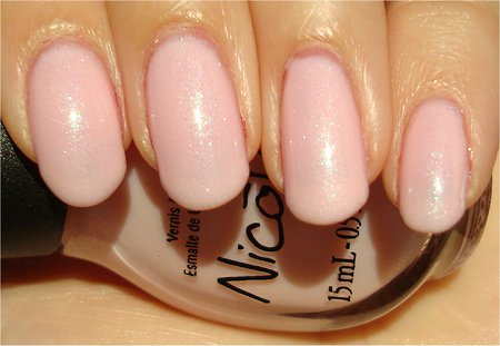 Sunlight Nicole by OPI Kardashian Kolors Kim-pletely in Love Review & Pictures