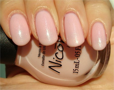 Sunlight Nicole by OPI Kim-pletely in Love Kardashian Kolors Review & Swatch