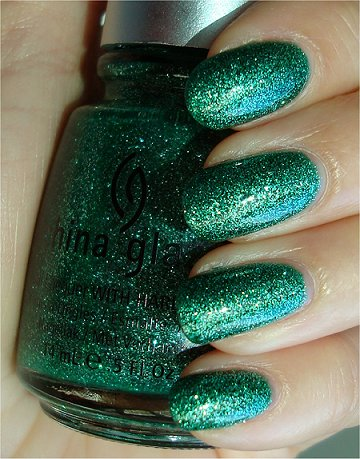 China Glaze Mistletoe Kisses Swatches & Review