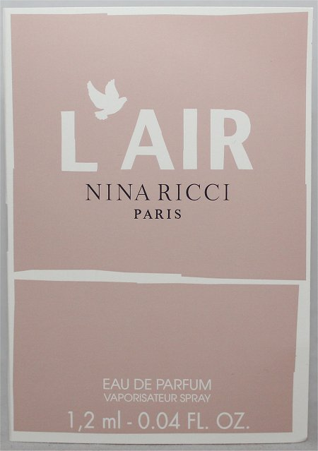 December LuxeBox Loose Button Nina Ricci L'Air Fragrance