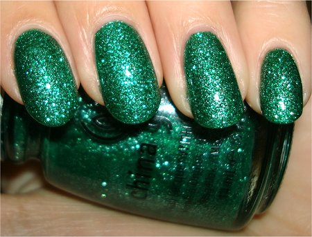 Flash China Glaze Mistletoe Kisses Swatches & Review