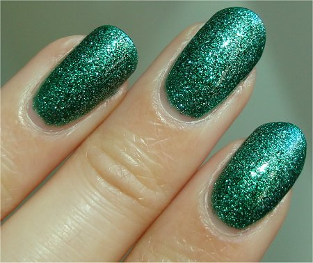 Natural Light China Glaze Mistletoe Kisses Review & Photos