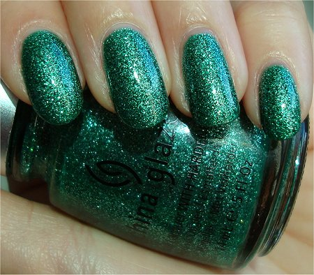 Natural Light Mistletoe Kisses Swatch China Glaze Review