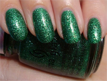 Natural Light Mistletoe Kisses by China Glaze Swatch & Review