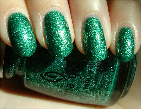 Sunlight China Glaze Swatch Mistletoe Kisses Review & Pics