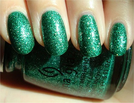 Sunlight Mistletoe Kisses by China Glaze Swatch & Review