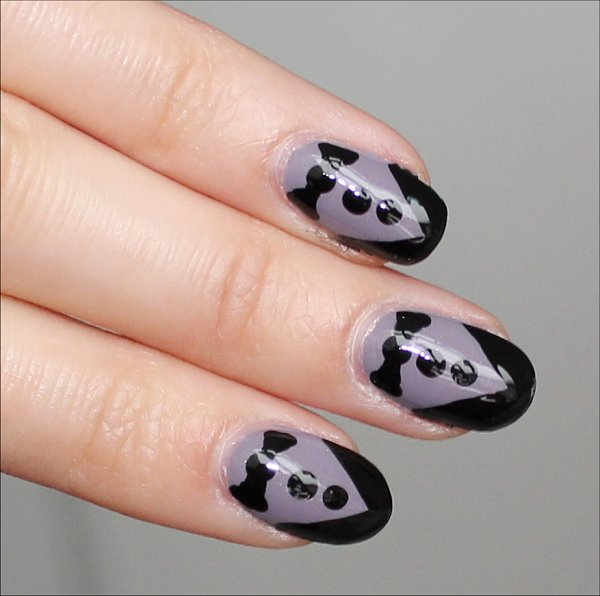 Flash Tuxedo Nails Nail-Art Tutorial & Pictures