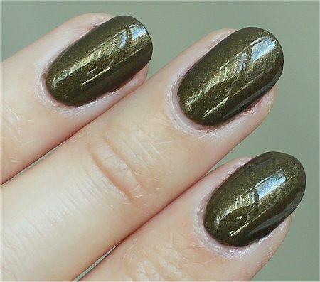 Natural Light In A Trance Cult Nails Review & Swatches