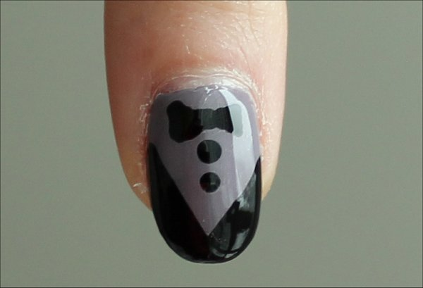 Natural Light Nail Art Tutorial Tuxedo Nails Pictures & Swatches