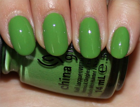 China Glaze Gaga For Green Review & Swatch