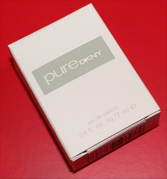 PureDKNY Eau de Parfum February 2012 Luxe Box Review & Pictures