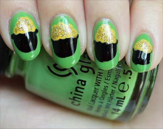 Nail Art Pot of Gold Nails