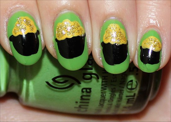 Pot of Gold Nail Art Tutorial & Pictures St. Patricks Day Nails