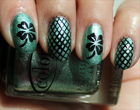 Simple St. Patricks Day Nail Art Shamrock Nails