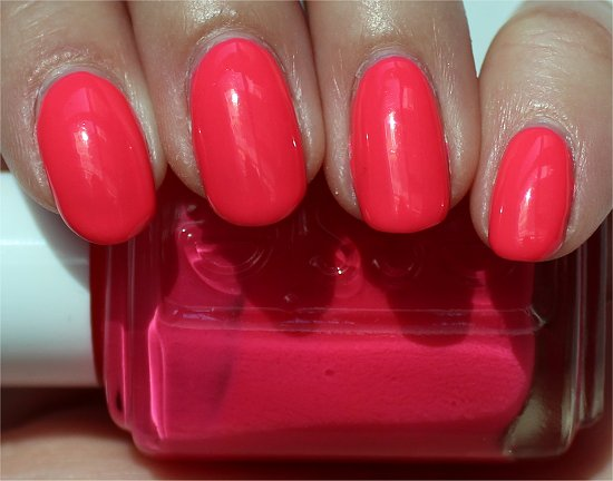 Short Shorts by Essie Swatch & Review