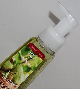 Bath & Body Works Fresh Picked Pears Anti-Bacterial Gentle Foaming Hand Soap Review & Pictures